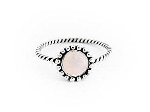 Prstene - 925 Strieborný prsteň s růženínom - 9635352_