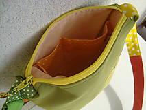 Kabelky - ! ! ZĽAVA ! ! ! Limetková kabelka (s pomarančovými motýľmi) - 9635215_