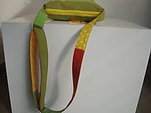 Kabelky - ! ! ZĽAVA ! ! ! Limetková kabelka (s pomarančovými motýľmi) - 9635217_
