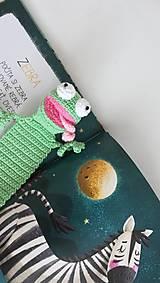 Hračky - Háčkovaná záložka žabka - 9637138_