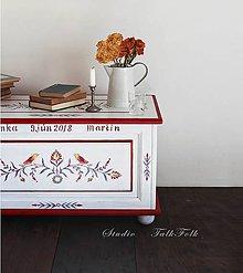 Nábytok - Maľovaná svadobná truhlica  (rôzne veľkosti) (masív - D80cm- Š40cm-V37cm) - 9636625_