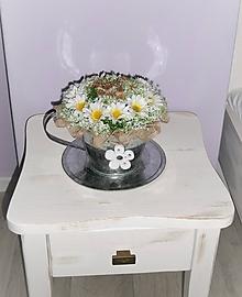 Dekorácie - Dekorácia v plechovej šálke: Bylinkový čaj s príchuťou margarét - 9641130_