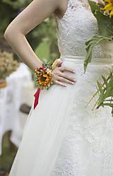 Kvetinový náramok pre nevestu