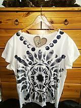 Tričká - MANDALA tričko -ručne maľované :-) - 9640346_