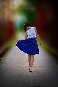 Sukne - MIDI skladaná sukňa s malými záhybkami - 9641200_