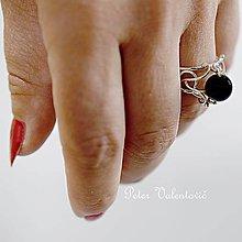 Prstene - strieborný prsteň s Ónyxom - 9644776_