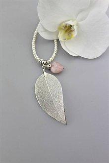 Náhrdelníky - Pravé perly, ruženín a lístok náhrdelník.. - 9643010_