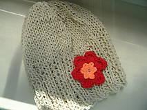 Detské čiapky - dievčenská čiapočka s kvetinkou - 9643772_