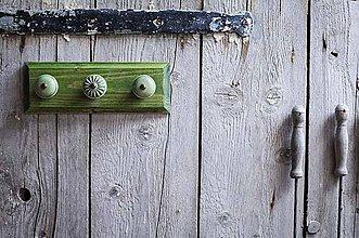 Nábytok - Věšák malý - zelená lazura - 9643905_