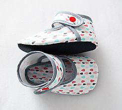 Topánočky - Detské papučky, capačky s koženou podrážkou (Biela) - 9646736_