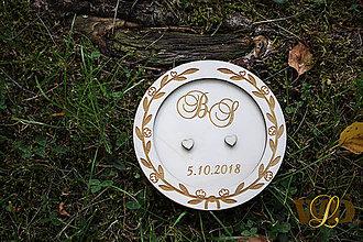Krabičky - Drevený tanierik na obrúčky - 9648490_
