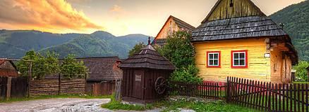 Hračky - Miniatúrna drevenica z Vlkolínca - 9645645_