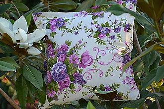 Úžitkový textil - Fialové kytice - dekoračný vankúš - 9645185_