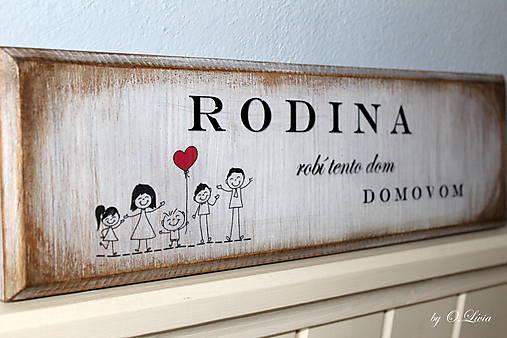 Rodina robí tento dom domovom - tabuľka s jaseňa
