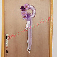 Dekorácie - Levandulovo - slabo fialový - svadobný veniec s bielymi doplnkami. Možnosť rozličných farebných stúh a kvetov. (Zlatá) - 9650137_
