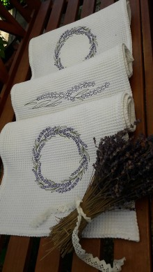Úžitkový textil - Vyšívané  levanduľové uteráky / utierky - 9652141_