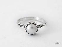 Prstene - CERTIFIKÁT 925/1000 Strieborný prsteň s prírodnou perlou - 9657623_