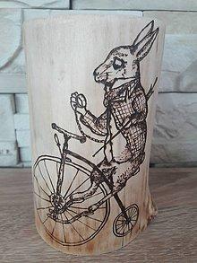 Svietidlá a sviečky - Drevený svietnik- králik - 9656685_