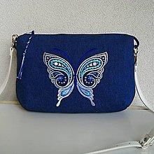 Kabelky - Džínsovomodrotlačová kabelka s motýľom - 9655742_