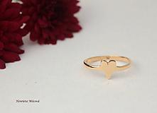 Prstene - minimalistický prsteň - srdiečko (Zlatý) - 9656602_