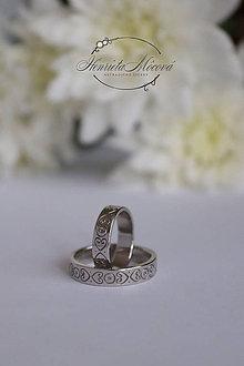Prstene - Obrúčky s folklórnym ornamentom (stirebro) - 9655222_