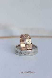Prstene - obrúčky s folklórnym vzorom - Čičmany (biele zlato) - 9656521_