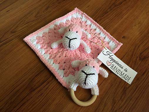 Háčkovaný mojkáčik a hrkálka ružová ovečka