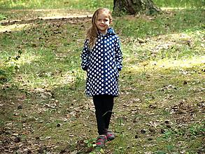 Detské oblečenie - Softshellový kabátik tmavomodrý s bielymi bodkami - 9658794_