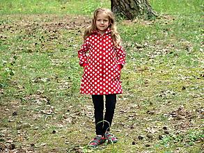 Detské oblečenie - Softshellový kabátik červený s bielymi bodkami - 9658799_