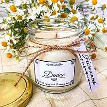 Svietidlá a sviečky - Sójová sviečka s dreveným knôtom s vôňou harmančeka - 9659384_