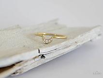 Prstene - 585 / 14k zlatý prsteň mesiačik - 9662567_
