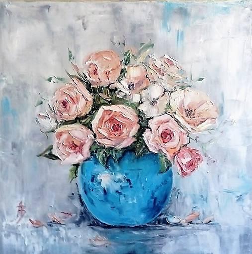 Ruže v modrej váze_predané