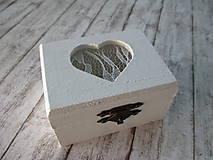 Krabičky - Krabička s čipkovaným srdiečkom - 9662317_