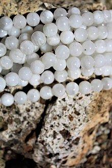 Minerály - Mesačný kameň strieborný-dúhový korálky 10mm - 9662548_