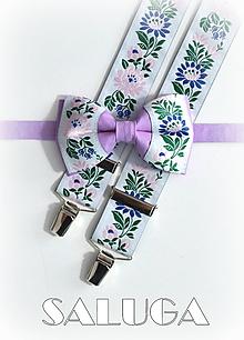 Doplnky - Folklórny pánsky fialový motýlik a traky folk - 9661923_