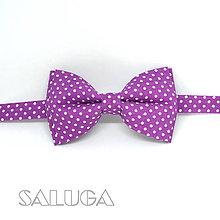 Doplnky - Pánsky fialový bodkovaný motýlik - tmavo fialový - ultra violet (motýlik + vreckovka) - 9662257_