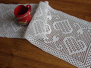 """Úžitkový textil - háčkovaný obrúsok """"srdiečkové potešenie"""" - 9663447_"""