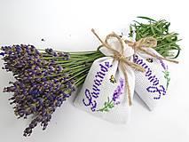 Dekorácie - Levanduľové vrecúška s krížikovou výšivkou - 9664275_