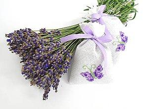 Dekorácie - Levanduľové vrecúška s krížikovou výšivkou (motýle) - 9664256_