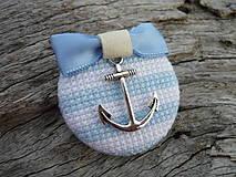Odznaky/Brošne - ZĽAVA - VÝPREDAJ :) Brošňa Námornicka prúžkovaná modro-biela s kotvou - 9666757_