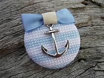 Odznaky/Brošne - ZĽAVA - VÝPREDAJ :) Brošňa Námornicka prúžkovaná modro-biela s kotvou - 9666761_