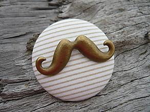 Odznaky/Brošne - ZĽAVA - VÝPREDAJ :) Brošňa Moustache bielo-béžová - 9666660_