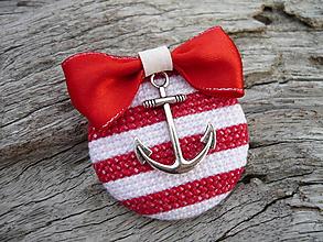 Odznaky/Brošne - ZĽAVA - VÝPREDAJ :) Brošňa Námornicka prúžkovaná červeno-biela s kotvou - 9666801_