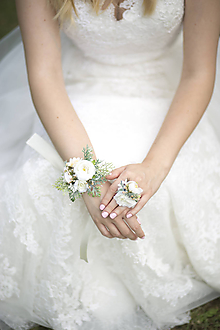Náramky - Kvetinový náramok pre nevestu - 9668407_