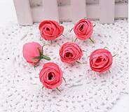 Púčiky ružičky 2 cm  (Tmavo ružové)
