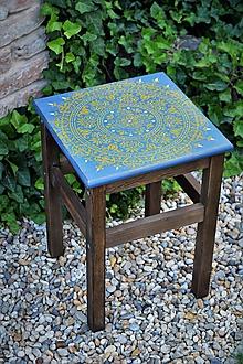Nábytok - Modrý stolík s horčicovým ornamentom - 9668777_