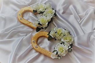 Kytice pre nevestu - Svadobné srdcia na auto zlaté - 9671149_