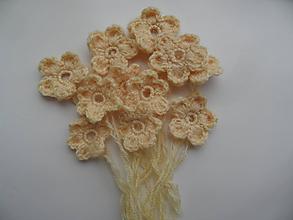 Materiál ručne robený - vanilkové kvetinky - 9670815_