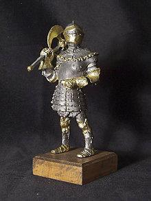 Socha - Kolekcia rytierov v zbroji (rytier v zbroji s jednostranne sekerou) - 9669610_