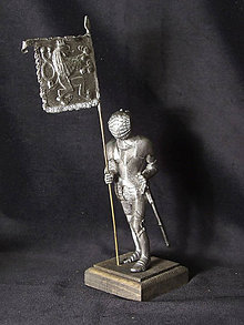 Socha - Kolekcia rytierov v zbroji (rytier v zbroji s vlajkou s českým levom) - 9669613_
